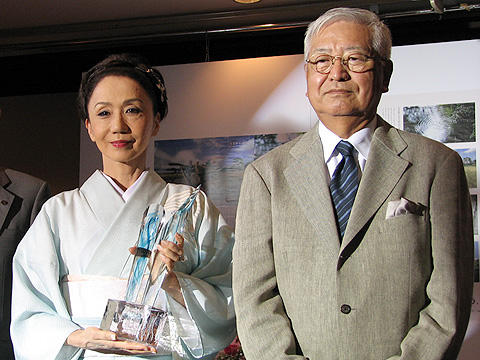 篠田正浩監督&岩下志麻夫妻が「安曇野にふさわしい理想の夫婦」に