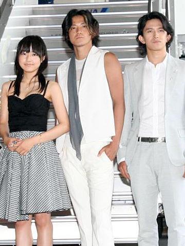 「花男」の5人が専用ジェット機で超VIPツアー