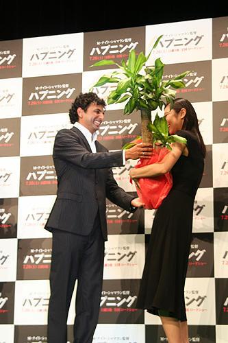 シャマラン監督から新婚の小池栄子へ、嬉しい「ハプニング」 - 画像5