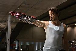 「2」の監督&脚本家は役者あがり「アイアンマン」