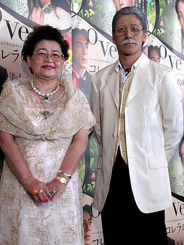 老けメイクの和泉元彌を節子ママがベタボメ。「コレラの時代の愛」イベント