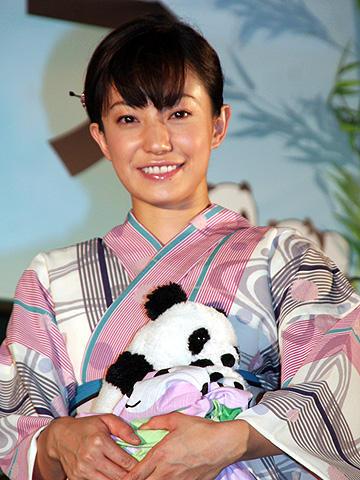 菅野美穂が浴衣で納涼。「パンダフルライフ」屋外試写