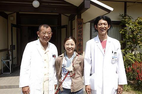 瑛太と鶴瓶が主演、西川美和監督「ディア・ドクター」好調撮影中