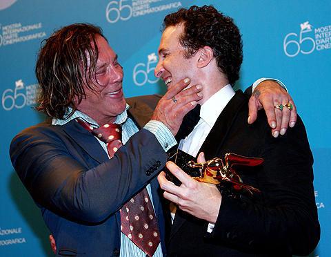 ベネチア映画祭閉幕。金獅子賞はアロノフスキー監督のプロレス映画