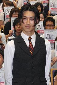早稲田の学生を前に熱弁「イキガミ」