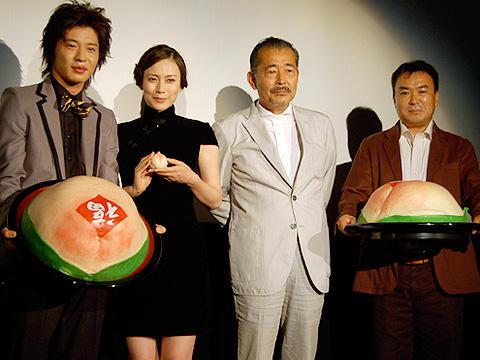 中谷美紀と藤竜也が中華料理の虜に!「しあわせのかおり」初日