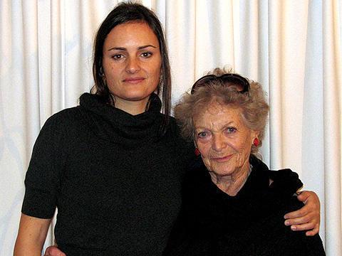 88歳の主演女優と女性監督に聞く「マルタのやさしい刺繍」