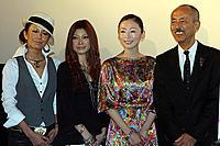 (左から)twenty4-7、松雪泰子、生野慈朗監督