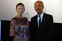 (左から)松雪泰子、生野慈朗監督