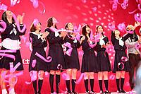 (左から)鈴木Q太郎、はねゆり、杏、寺島咲、福田沙紀、武井咲、大島優子、柳下大