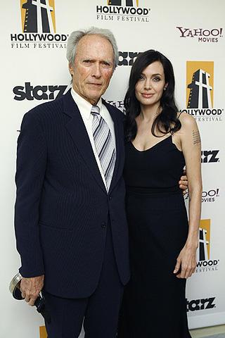 クリント・イーストウッドが監督賞。ハリウッド映画祭にアンジェリーナ登場
