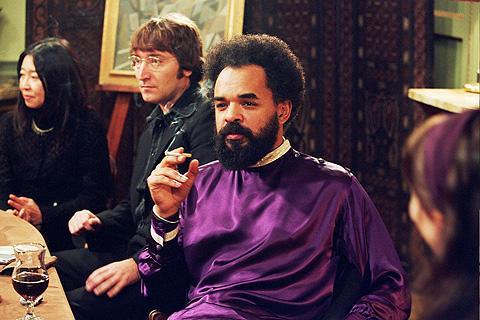 英国王室の機密を描いた「バンク・ジョブ」にジョン・レノンとオノ・ヨーコが?