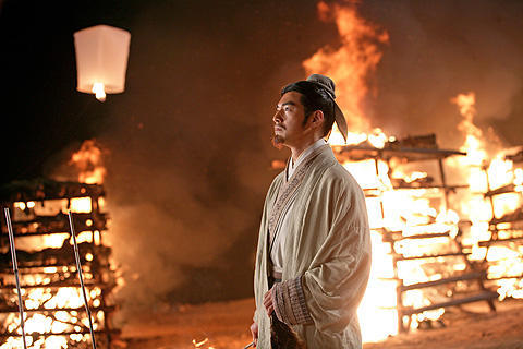 「レッドクリフ PartII」の長江が真っ赤に燃える予告編が初公開