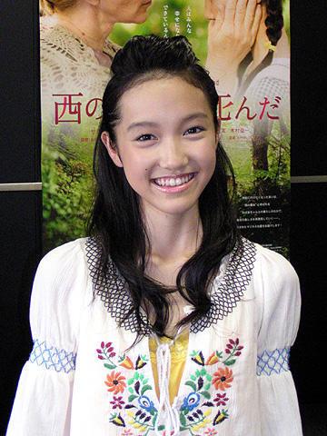 「西の魔女が死んだ」で熱演、14歳の新星・高橋真悠を直撃!
