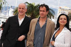 左がガローネ監督、中央がセルビッロ「ゴモラ」