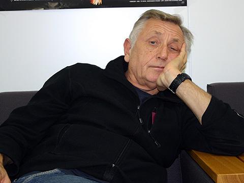 チェコの巨匠イジー・メンツェル監督が「英国王給仕人に乾杯!」を語る
