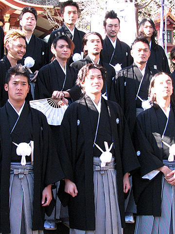 小栗旬らクローズたちが袴姿で勢ぞろい!「クローズZERO II」イベント