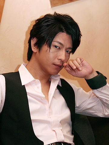 ミッチーを脱ぎ捨てた俳優・及川光博の新境地。「クローンは故郷をめざす」