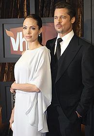 1月8日開催のVH1批評家賞授賞式に登場「Mr.&Mrs.スミス」