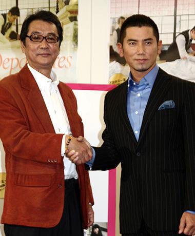 アカデミー賞候補「おくりびと」、本木雅弘が会見し「平静保てない」