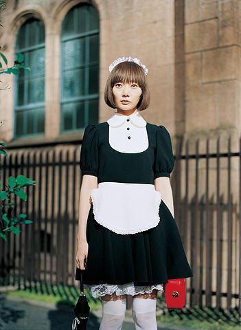 是枝裕和監督の最新作「空気人形」。ペ・ドゥナが心を宿した人形に
