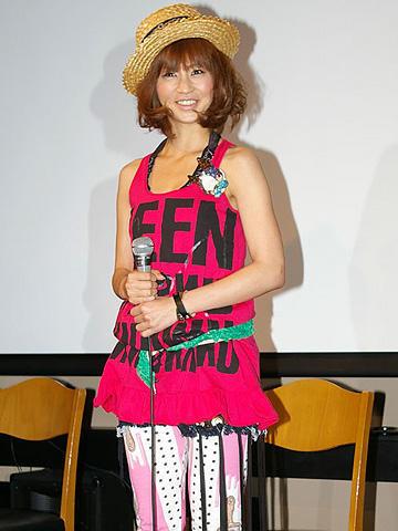 安田美沙子が京都弁で声優初挑戦。「キャラディのジョークな毎日」会見
