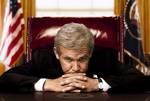 オバマ人気で過去の人?ストーン監督作「ブッシュ」緊急公開決定