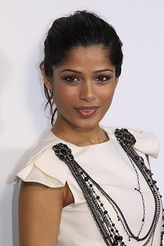 「スラムドッグ$ミリオネア」のインド美女に次期ボンドガールの噂?