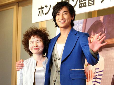 ホン・ジヨン監督とチュ・ジフン