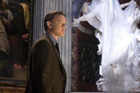 「天使と悪魔」トム・ハンクスが5月来日し、丸の内ジャック!