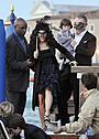 サルマ・ハエックがイタリアで挙式!豪華仮面舞踏会にスターが集結