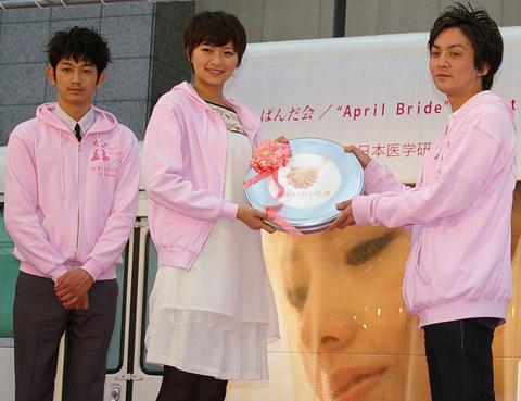 榮倉奈々、「余命1ヶ月の花嫁」のモデル・千恵さんに涙のメッセージ