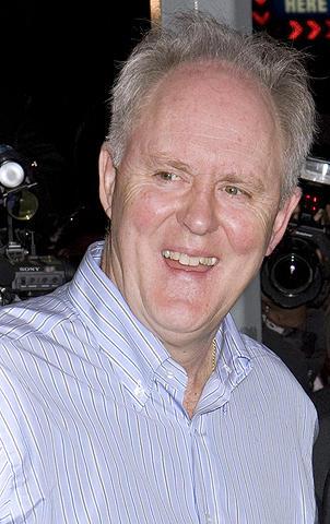 人気TVシリーズ「デクスター」に名優ジョン・リスゴーが連続殺人鬼役で出演