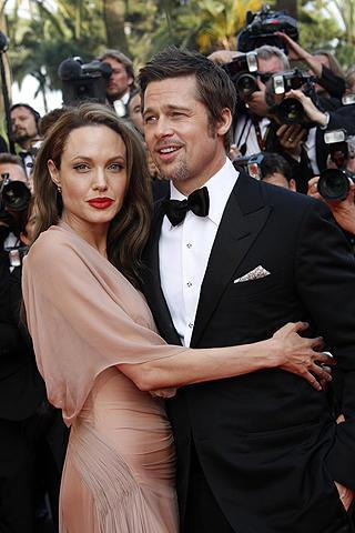 最も影響力のあるカップル、ブラピ&アンジェリーナが2億円を寄付