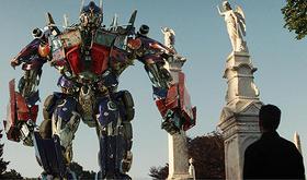 全米夏映画、ロボット大戦が勃発「ターミネーター4」