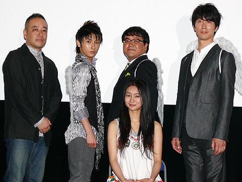 渋谷に天使3人が舞い降りた!?「守護天使」初日舞台挨拶