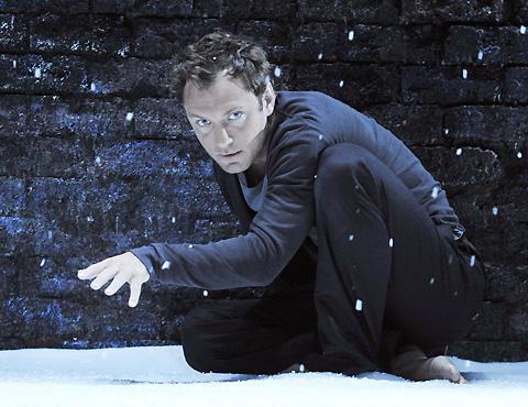 ジュード・ロウ版「ハムレット」、今秋ブロードウェイに進出