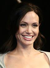 「最も稼いだハリウッド女優ランキング」発表。1、2位は因縁のあの2人!