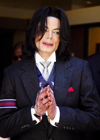 ファン騒然、ネバーランド邸宅内に故マイケル・ジャクソンさんの亡霊が!