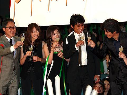「アマルフィ」主演の織田裕二、「踊る大捜査線3」も頑張ると宣言!