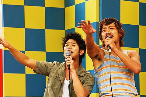 妻夫木聡、日韓合作のカラオケ場面でPUFFY「アジアの純真」を熱唱