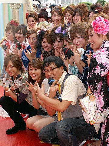 DAIGO「うぃっしゅ!」に女子大生感激!「すっぴんカレッジ」浴衣ショー