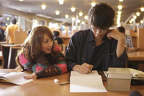 佐々木希&谷原章介が18歳差の恋に落ちる!「天使の恋」撮影現場で語った