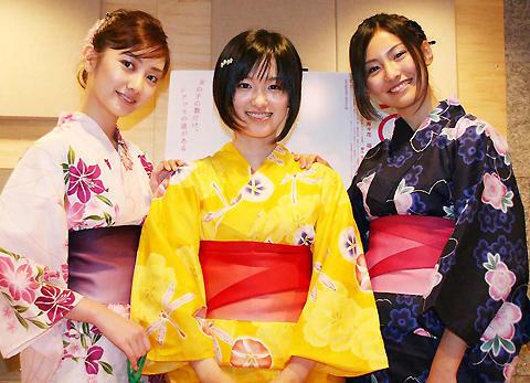 大後寿々花、波瑠、高山侑子が語るカメラの外の「女の子ものがたり」