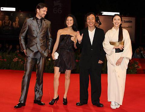 塚本晋也監督「TETSUO」、ベネチアで上映。審査員長のアン・リーも鑑賞