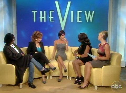 ビクトリア・ベッカム、「私は今もセクシー」。米トーク番組に出演