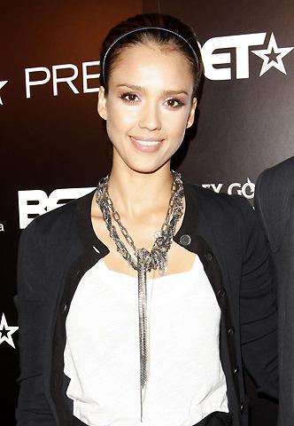 ジェシカ・アルバが「ミート・ザ・ペアレンツ」シリーズに出演