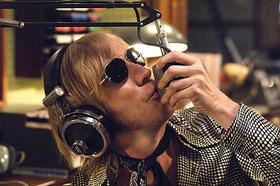 18日の深夜、TFMに海賊ラジオ局が出現!「パイレーツ・ロック」