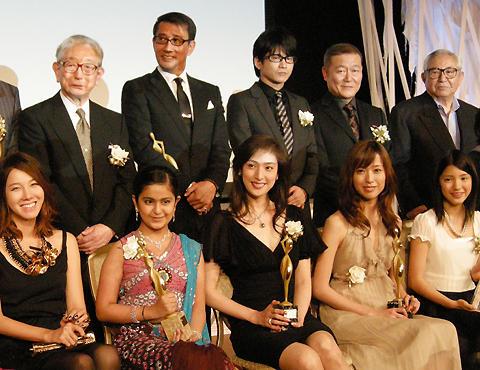 天海祐希、「BOSS」続投を希望!「東京ドラマアウォード」で主演女優賞受賞