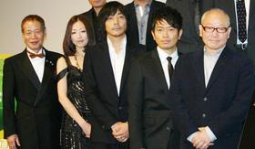 角川春樹監督もチャーミングな笑顔「笑う警官」